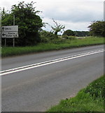 ST9898 : Kemble and Tetbury directions sign facing the A433 from Cirencester by Jaggery