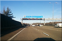 TQ0562 : M25 clockwise by Robin Webster