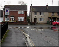 SO8005 : Restricted Zone sign facing Aldergate Street, Stonehouse by Jaggery
