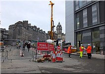 NT2574 : Leith Street closed, Edinburgh by Jim Barton