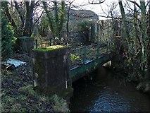 NS4074 : Disused railway bridge over Gruggies Burn by Lairich Rig