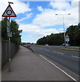 ST3487 : Warning sign - roundabout 245 yards ahead, Southern Distributor Road, Newport by Jaggery