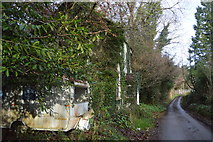 SX4975 : House by Old Exeter Rd by N Chadwick