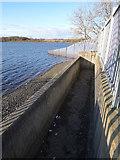 SE2924 : Ardsley Reservoir: overflow weir by Stephen Craven