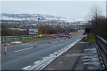 NS3977 : A82 roadworks at the Blue Bridge by Lairich Rig