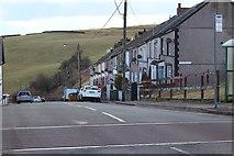 SO1004 : Glenview Terrace, Pentwyn, Darran Valley by M J Roscoe