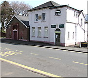 ST3390 : Town hall, library & community centre, Caerleon by Jaggery