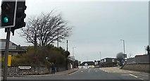 SX9066 : Barton Hill Road at Beechfield Avenue by John C
