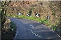 SX9370 : Bend, Teignmouth Rd by N Chadwick