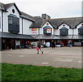 SX8960 : Poundstretcher in Paignton by Jaggery