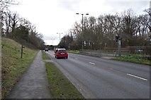 TQ2262 : A24, southbound by N Chadwick
