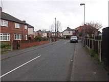 SE4824 : Pinders Garth - Doncaster Road by Betty Longbottom