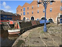 SJ9398 : Queen at Portland Basin by Gerald England