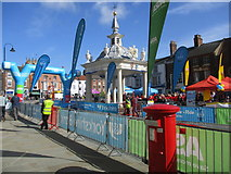 TA0339 : Saturday  Market  the start  of  the  Tour  de  Yorkshire  2018 by Martin Dawes