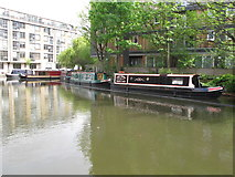 "TQ3283 : ""Lindy Hopper"" of Wenlock Basin, narrowboat on Regent's Canal, Hackney by David Hawgood"