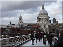 TQ3280 : On Millennium Bridge by Rudi Winter