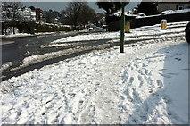 SX9065 : Snow on Barton Road, Torquay by Derek Harper