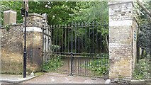 TQ2887 : The closed entrance to Highgate West Cemetery by Marathon
