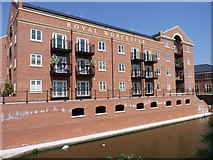 SO8554 : Royal Worcester Apartments by Jeff Gogarty