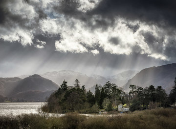 NY2622 : Derwentwater by James Johnstone