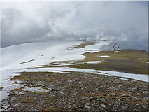 NN3240 : Bare plateau near the northern cliffs of Beinn an Dòthaidh by Richard Law