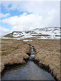 NN3240 : Meltwater burn high on Beinn an Dòthaidh by Richard Law