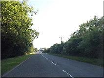 TL2759 : Cambridge Road, Eltisley by David Howard