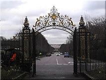 TQ2882 : Chester Road Gates, Inner Circle, Regent's Park by Robin Sones