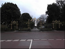 TQ2882 : Chester Road Gates from Chester Road by Robin Sones