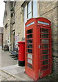 SU1868 : K6 phonebox outside Marlborough Library by Jaggery