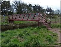 NT6578 : John Muir Way crossing Biel Water at West Barns by Mat Fascione