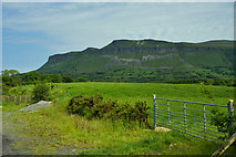 G7241 : Benbulbin from Lugnagall by Mick Garratt