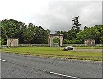 NS3586 : Formal gateway, Ross Park by Roger Cornfoot