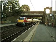 SE1039 : LNER train through Bingley (2) by Stephen Craven