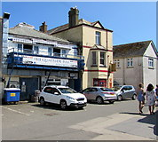 SX2553 : Quayside Bar in East Looe by Jaggery
