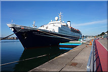 W7966 : Marco Polo Cruise Ship in Cobh by Ian S