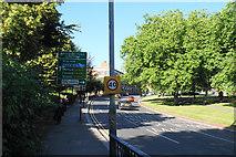 SO9098 : The inner ring road by Bill Boaden