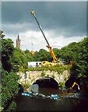 NS5666 : Mobile crane on the Snow Bridge, Kelvingrove by Richard Sutcliffe