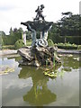 TL1018 : Fountain at Luton Hoo by M J Richardson