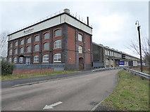 SU1484 : Swindon - designer outlet and former restaurant by Chris Allen