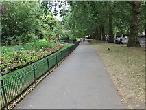 TQ2979 : Pathway along the southern edge of St James's Park by Peter Wood