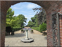 TQ2272 : Entrance to the Garden of Remembrance, Putney Vale Cemetery by Marathon