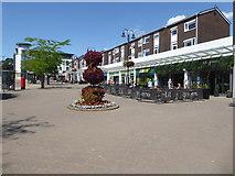 SP2871 : Kenilworth town centre - Abbey End by Chris Allen