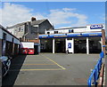 SX4754 : Kwik Fit in the Octagon, Plymouth by Jaggery