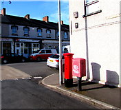 ST3288 : Royal Mail drop box and pillarbox, Dean Street, Newport by Jaggery