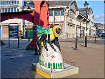 SJ8397 : Bee Live in MCR by David Dixon
