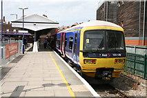 SU7682 : Henley-On-Thames Railway Station by David Robinson
