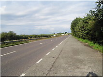 TQ2234 : Crawley Road east of Faygate by David Howard