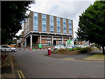 SP2871 : Holiday Inn Kenilworth by Jaggery