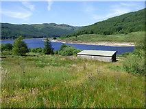 NS0883 : Shed at Loch Tarsan by Thomas Nugent